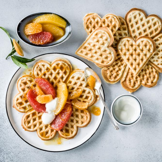Yoghurt waffles with citrus compote