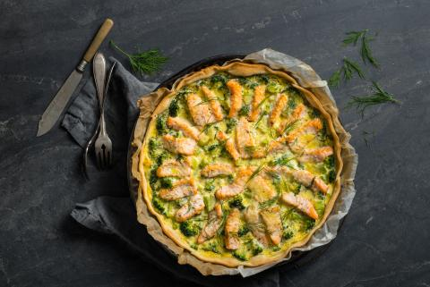 Quiche with salmon and broccoli