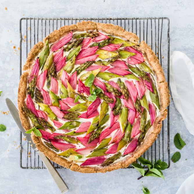 Asparagus and rhubarb quiche