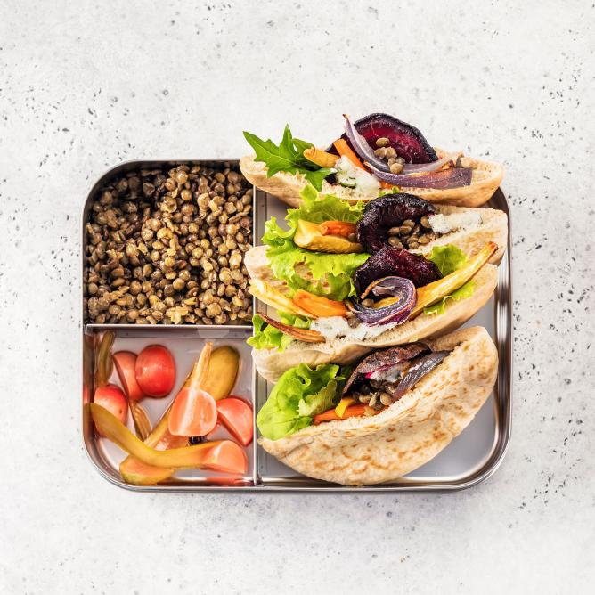 Pitas with lentils and pickles