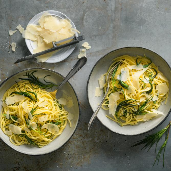 Gluten-free pasta with agretti