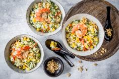 Rice salad with prawns