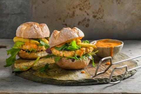 Fish burgers with baby corn