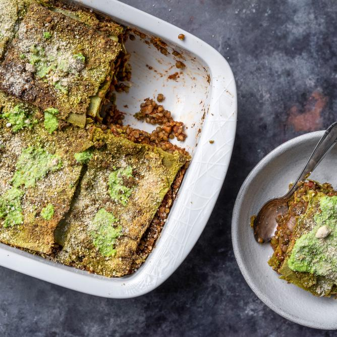 Green lasagne with kale pesto