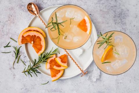 Grapefruit & rosemary spritzer