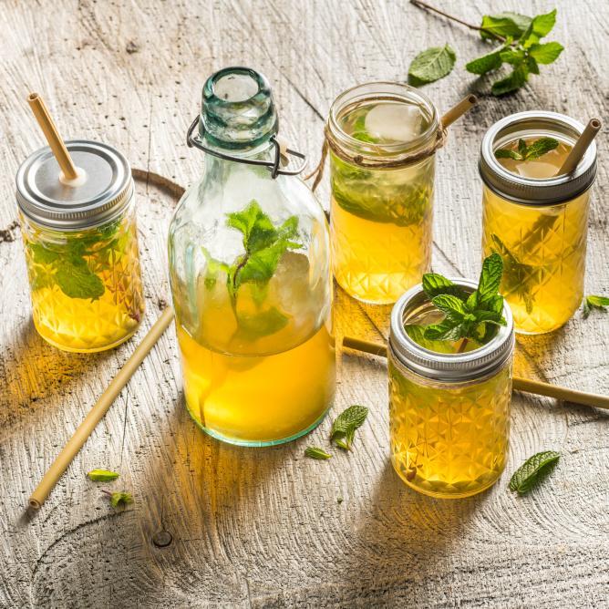 Iced tea with Alpine herbs