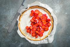 Strawberry and mascarpone tart