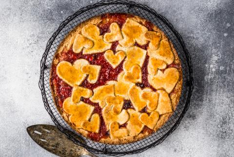 Linzer torte with pastry hearts