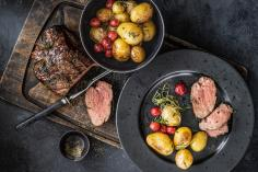 Grilled beef fillet with cherries and potatoes