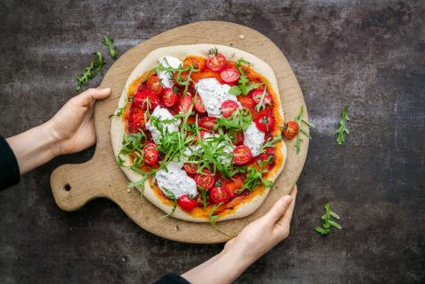 Pizza con burrata e rucola