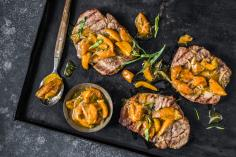 Pork steaks with apricot chutney