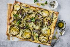 Tarte flambée with fennel and aubergines
