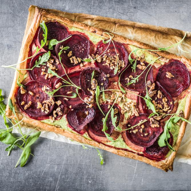 Beetroot and rocket tart