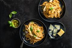 Linguine with creamy tomato pesto sauce