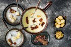 Fondue with onion and bacon