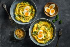 Kale polenta with egg