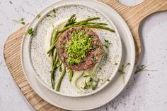 Tartare with cress and asparagus