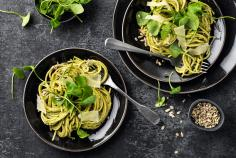 Spaghetti with purslane pesto