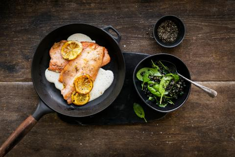 Salmon trout fillets with mustard sauce