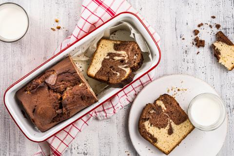 Airy marble cake