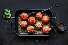 Stuffed tomatoes with mince and rice