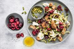 Bread salad with cherries