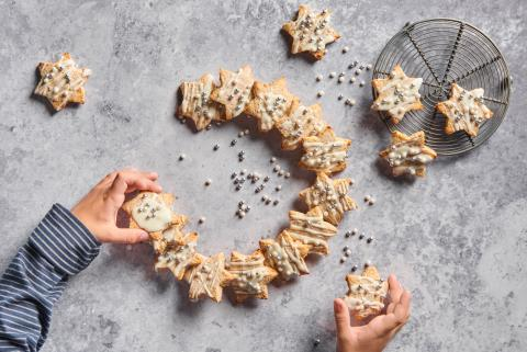 White chocolate cinnamon stars