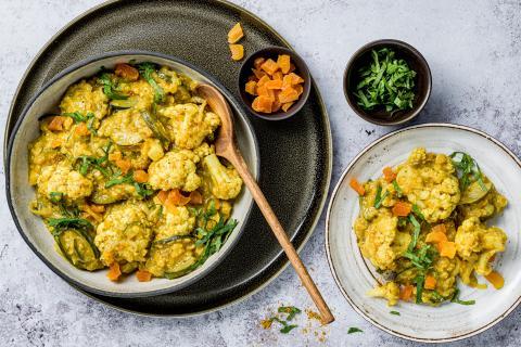 Curry di lenticchie al cocco con albicocche secche