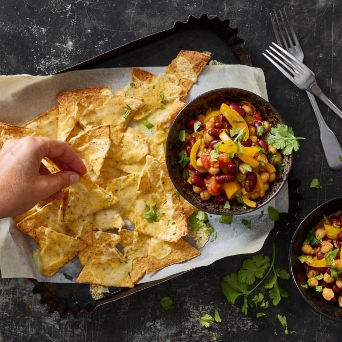Cheese nachos with veggie chilli