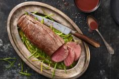 Earl Grey Beef Fillet on a Bed of Shredded Snow Peas