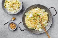 Fennel & apple spaghetti with crumble
