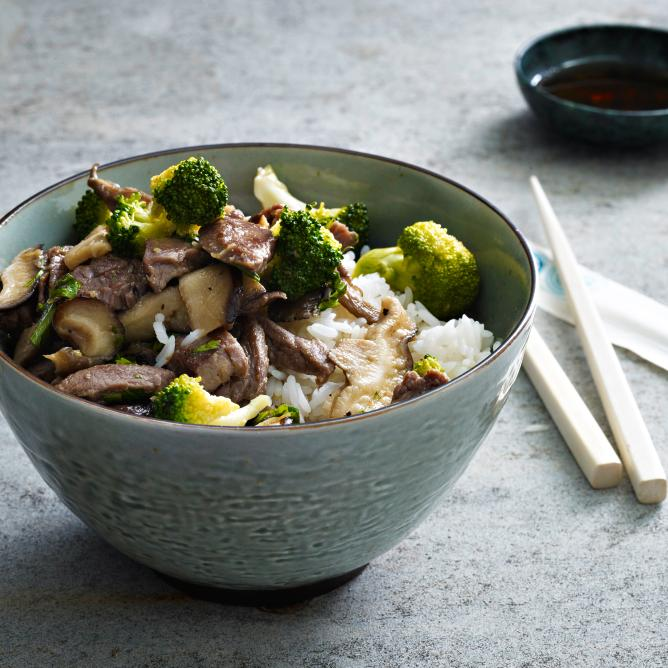 Beef with broccoli and mushrooms