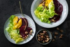 Endive and orange salad with caramelized nuts
