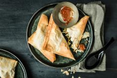 Samosas with sweet chilli sauce