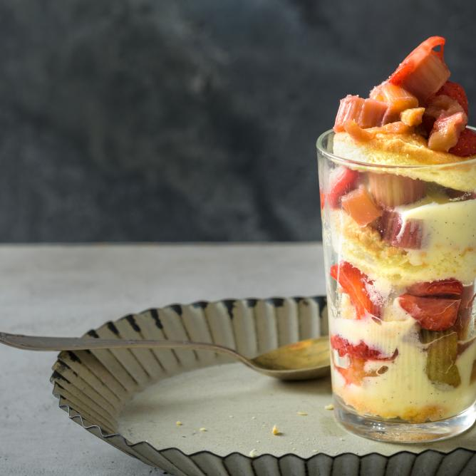 Rhubarb and strawberry trifle