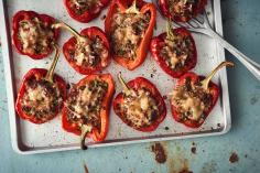 Stuffed pepper halves with mince