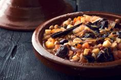 Vegetable tagine with prunes